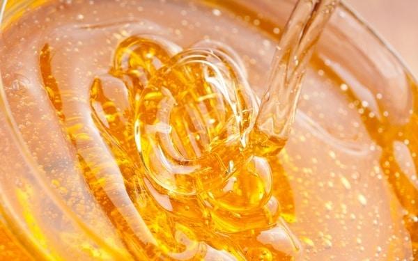 Жедкий мед - идеальный для лечения кашля