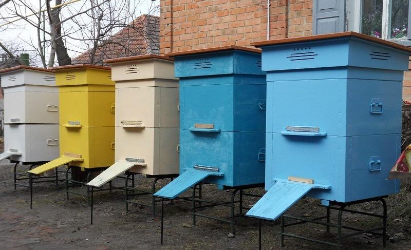 Большинство пчеловодов используют именно многокорпусные ульи