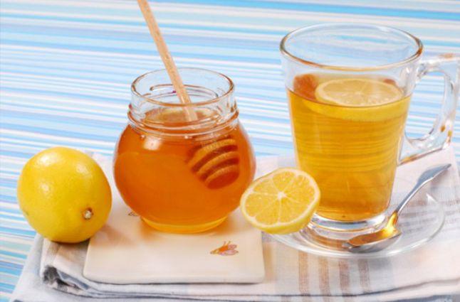Мед с лимоном при боли в горле